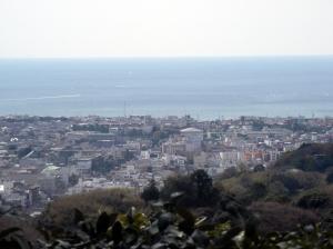 湘南の海と白い家々