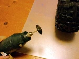 リューターに金属用カッターを装着