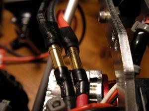 バッテリーの分岐ケーブルはヨーロピアンコネクター接続に変更