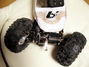 40度の舵角でもタイヤがダンパーにガッツリ当たる