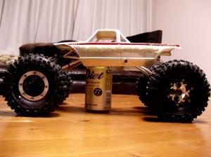 車高を上げると350ml缶1本分のクリアランスが!