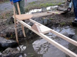 橋の途中にウッドブロックが!